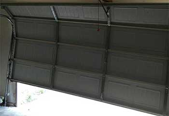 Garage Door Off Track | Rosemount | Garage Door Repair Burnsville